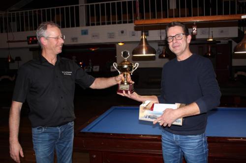 biljart-club-de-bargebeck-toernooi-2020-winnaar-driebanden-frans-lenis